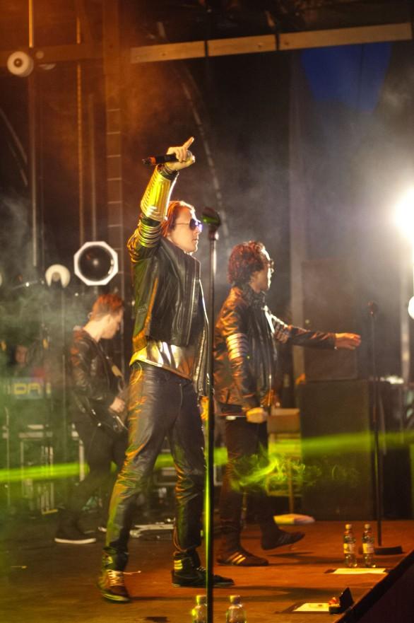 """""""Ylvis"""" på Elvefestivalen 2014, Drammen. Foto: Lars Chr. Gamborg"""