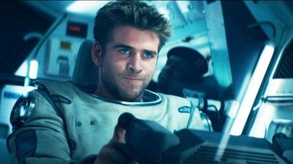 Liam Hemsworth er èn av flere hovedkarakterer. Desverre er det ingen som klarer å bære filmen.